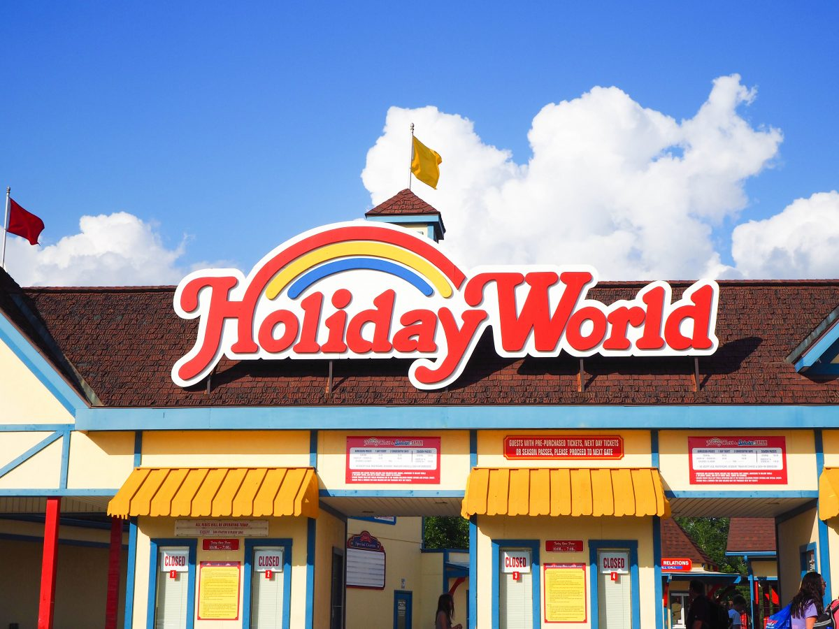 5 Reasons To Spend A Day At Holiday World In Santa Claus